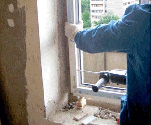 Остекление балкона французские окна